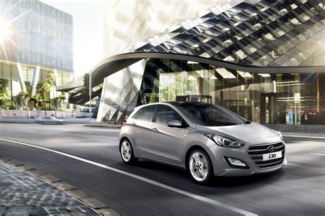 Hyundai Gilbert by Deciding Between The Hyundai Elantra And The I30 Phil