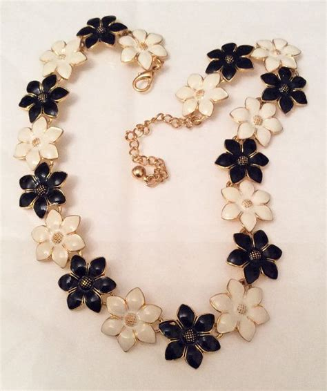 White Vintage Flower Necklace flower necklace black and white enamel vintage jewelry