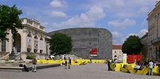 File:Wien MuseumsQuartier Hof.jpg