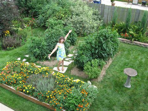 backyard garden  foot tomato plants racine wisconsin