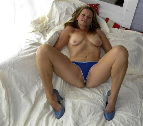Amateur Hot American Milf Gilf Great Legs Update High Definition Por