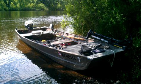 Fishing Boat Modifications by Specialize Your Small Fishing Boat With Custom