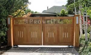 Driveway Wooden Entrance Gates