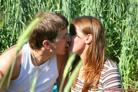 Hot Amateur Teen Sex In The Great Outdoors Mobile Porn