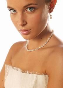 choisir la couleur de ses bijoux de mariee en fonction de With robe pour mariage cette combinaison collier or blanc
