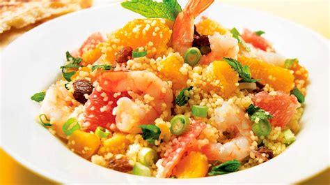 cuisiner l aubergine couscous aux crevettes et aux agrumes recettes iga