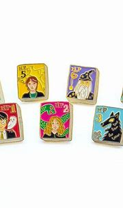 Harry Potter Pins in 2021 | Harry potter pin, Book pins ...