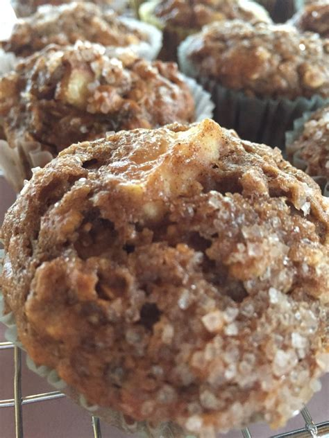 Amazing oatmeal cookies and other great diabetic cookies are waiting for you to try. Healthy Apple Cinnamon Applesauce Muffins | Favorite ...