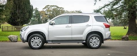 Isuzu Mux Modification by 2017 Isuzu Mu X Car Review The Swiss Army Knife Of Suv
