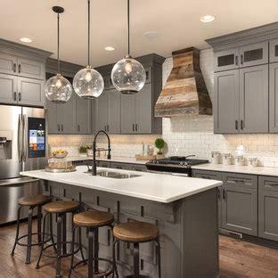 popular farmhouse  shaped kitchen design ideas