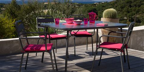 salon de jardin m 233 tal trocadero 1 table 4 fauteuils coloris anthracite oogarden