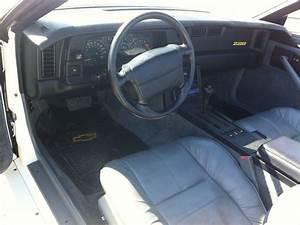 1991 Chevrolet Camaro - Interior Pictures