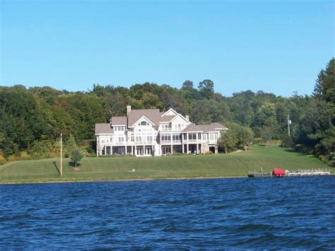 Panoramio - Photo of Mansion on Lake Chautauqua