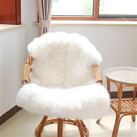 achetez en gros fausse fourrure couverture de chaise en