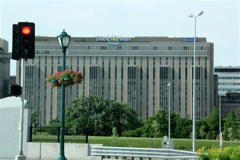Barnes Hospital In St Louis by Barnes Ranked As One Of Top Us Hospitals Missouri