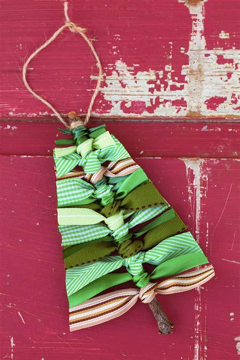 learn     scrap ribbon christmas tree ornament