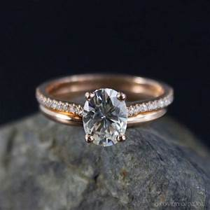 Forever brilliant oval solitaire engagement ring wedding for Wedding band for oval engagement ring