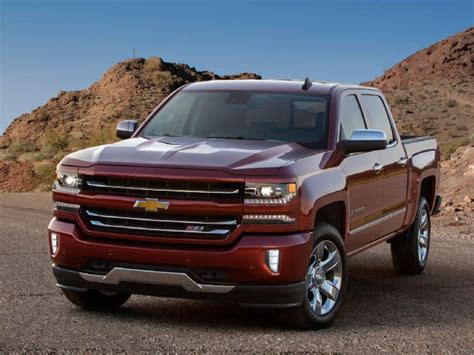 2016 Chevrolet Silverado 1500 Gets a New Look