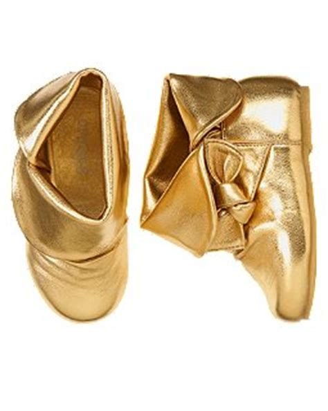Gold boots for a toddler?