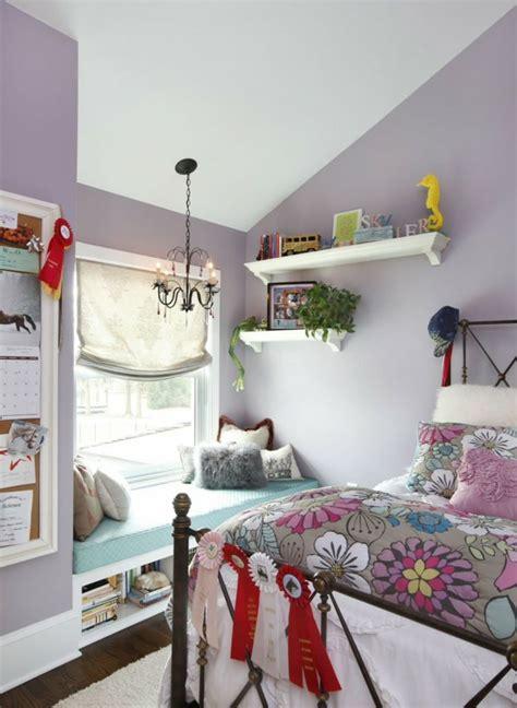 Kinderzimmer Mädchen Massiv by Jugendzimmer Mit Dachschr 228 Ge Maedchen Lila Wand Sitzecke