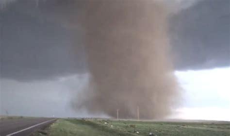 base   tornado