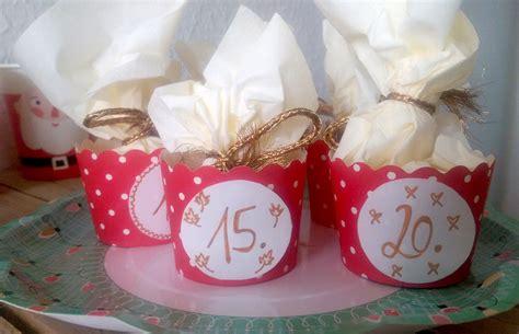 basteln mit muffinförmchen einfache adventskalender basteln die adventszeit kommt