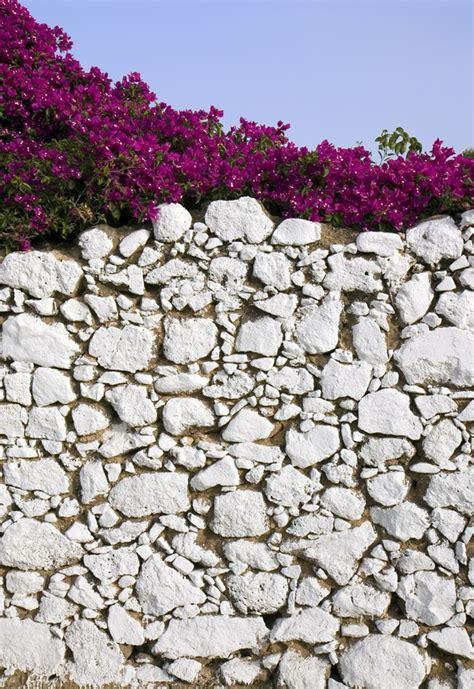 Gartenmauern Aus Naturstein by Kosten F 252 R Eine Gartenmauer 187 Kostenfaktoren Preisbeispiel
