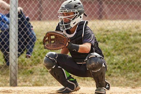 softball catcher tips giving signs   pitcher pro