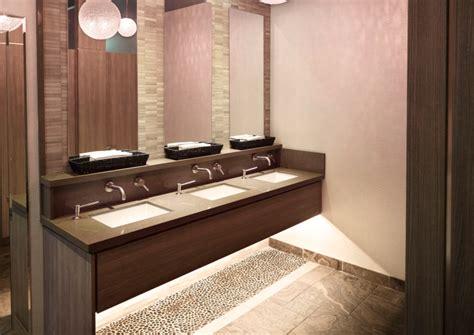 Comptoir De Salle De Bain — Granite Au Sommet
