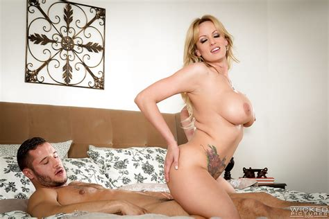 Blonde Pornstar Stormy Daniels Riding Cock After Cunt