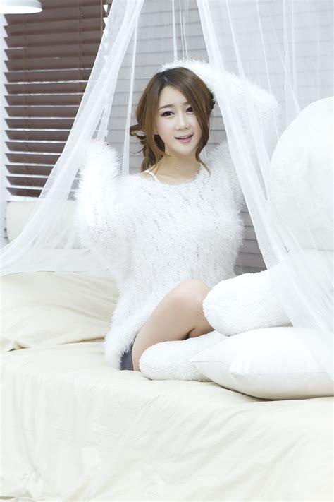 xxx nude girls han chae yee  white