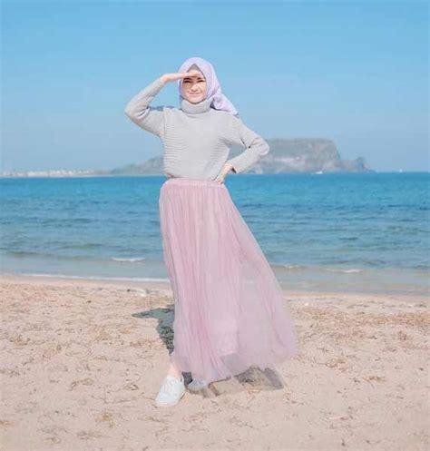 rekomendasi style hijab  jalan jalan  pantai blog unik