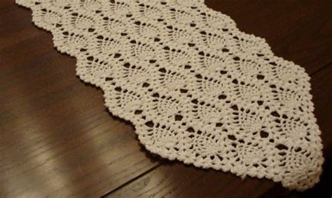 free crochet pineapple table runner patterns crochet table runners pineapple only new crochet patterns