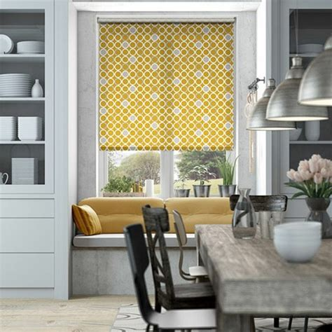 rideau store pour cuisine stores occultants selon l 39 intérieur et le type de la fenêtre