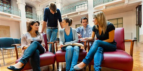 socializing tips   introverted freshman