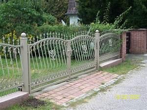 Gartenzaun Aus Metall : n rnberg gartenz une aus stahl zaunbau ~ Orissabook.com Haus und Dekorationen