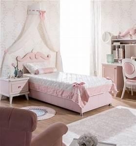 Lit Princesse Fille : lit pour chambre de fille lit original pour am nager une chambre de fille lit voiture lit ~ Teatrodelosmanantiales.com Idées de Décoration