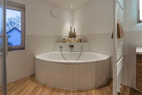 Badezimmer Ideen Mit Eckbadewanne eckbadewanne bilder ideen