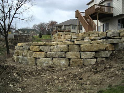 boulder wall limestone boulder wall rocksolidlandscape com rochester mn