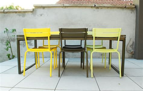 table chaise terrasse restaurant terrasse avec chaises luxembourg fermob et table bellevie terrace outdoor collection