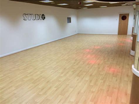 studio   le marks wood effect dance floor le mark