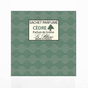 Sachet Parfumé Pour Armoire : sachet parfum cedre sachet senteur cedre le blanc ~ Teatrodelosmanantiales.com Idées de Décoration