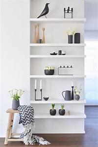 Regal Dekorativ Einrichten : schwarz wei dekorieren und einrichten ~ Eleganceandgraceweddings.com Haus und Dekorationen