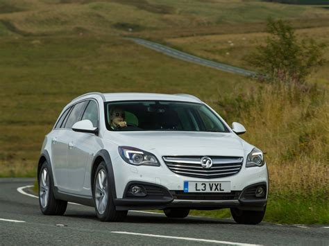 2018 Vauxhall Insignia Country Tourer Wallpapers Pics