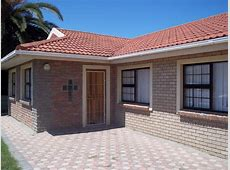 3 Bedroom House Walking Distance From The Beach At