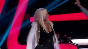 Christina Aguilera cleavage-02 - GotCeleb