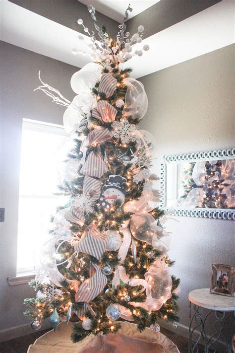 how to decorate a christmas tree from start to finish how to decorate a tree from start to finish the easy way re fabbed