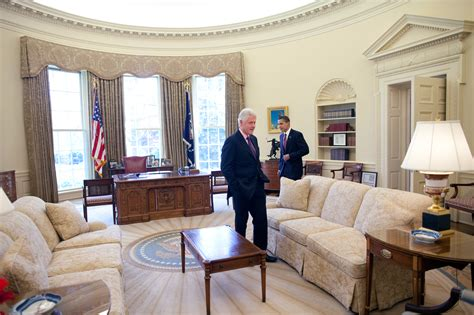 file barack obama and bill clinton in the oval office jpg wikimedia commons