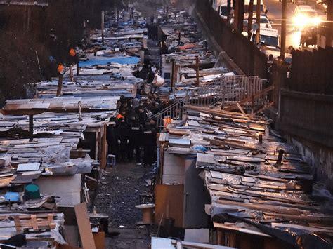 pictures police clear roma migrant slum