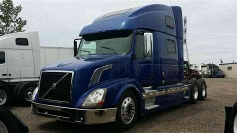 2011 volvo semi truck volvo 780 2011 sleeper semi trucks